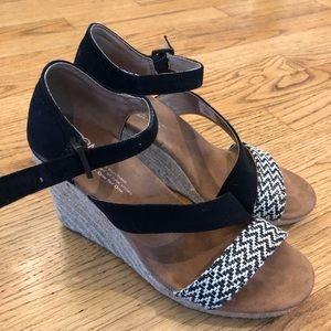 Toms Shoes - Toms size 6.5 wedge sandals